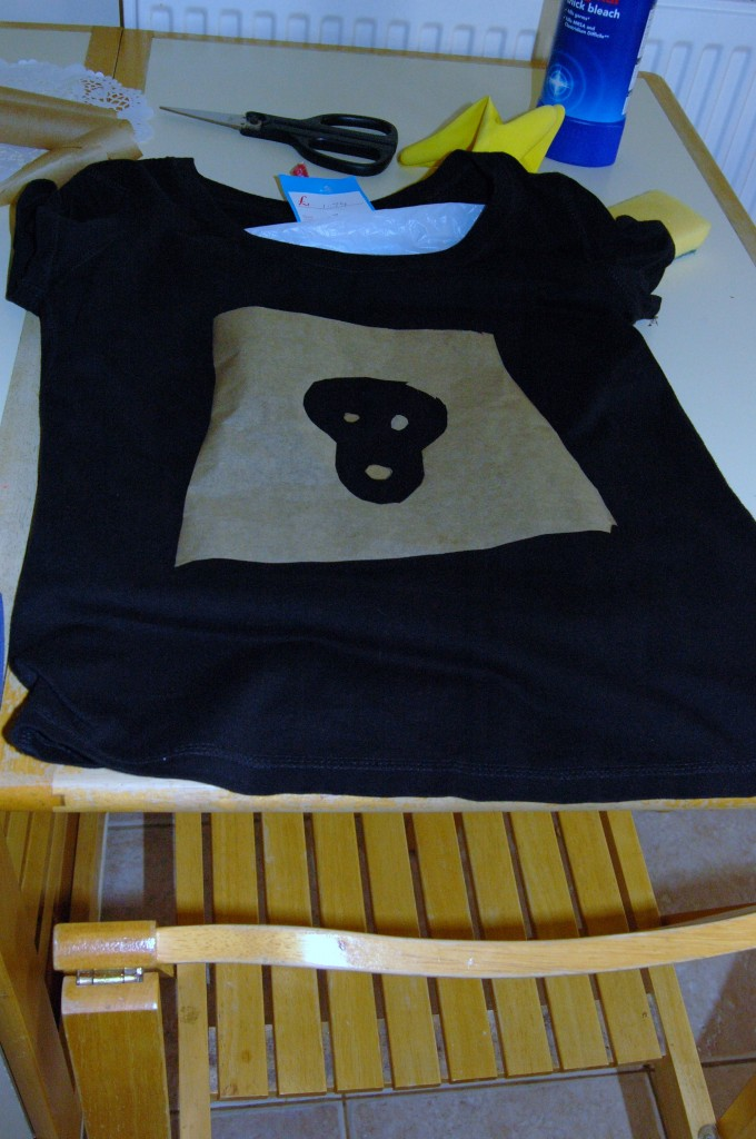 005 680x1024 DIY/ Refashioned Skull T Shirt