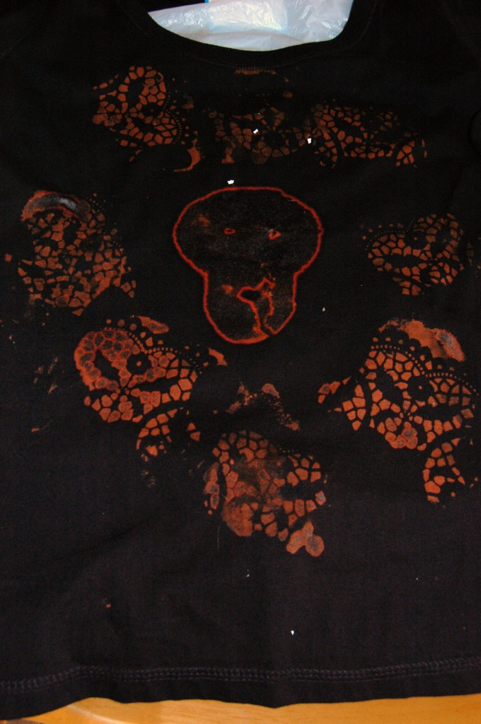 0072 680x1024 DIY/ Refashioned Skull T Shirt