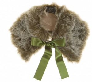 XFAUXFURCOLLAR033 300x267 Tuesday Treats   Vintage Fashion Accessories and Christmas Gifts