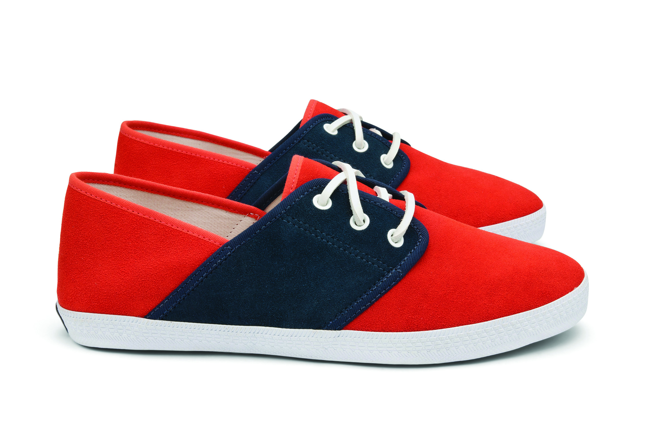 Veja Mediterran+®e Suede Geranium Navy Lateral Par1 Veja Ethical Shoes and the Observer Ethical Awards