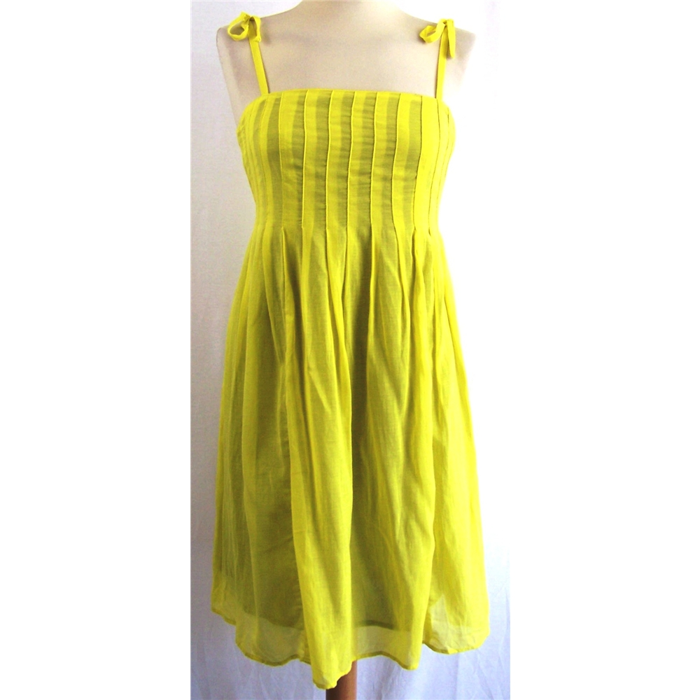 green dress Oxfam Fashion Picks For Summer 2012