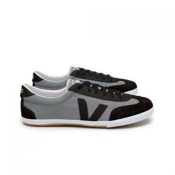 veja grey black Veja Ethical Shoes and the Observer Ethical Awards