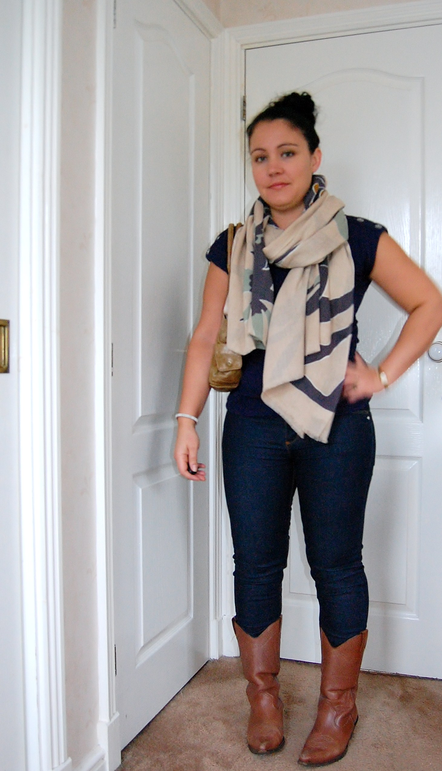 034 Scarf by Elin Kling for Hoss Intropia