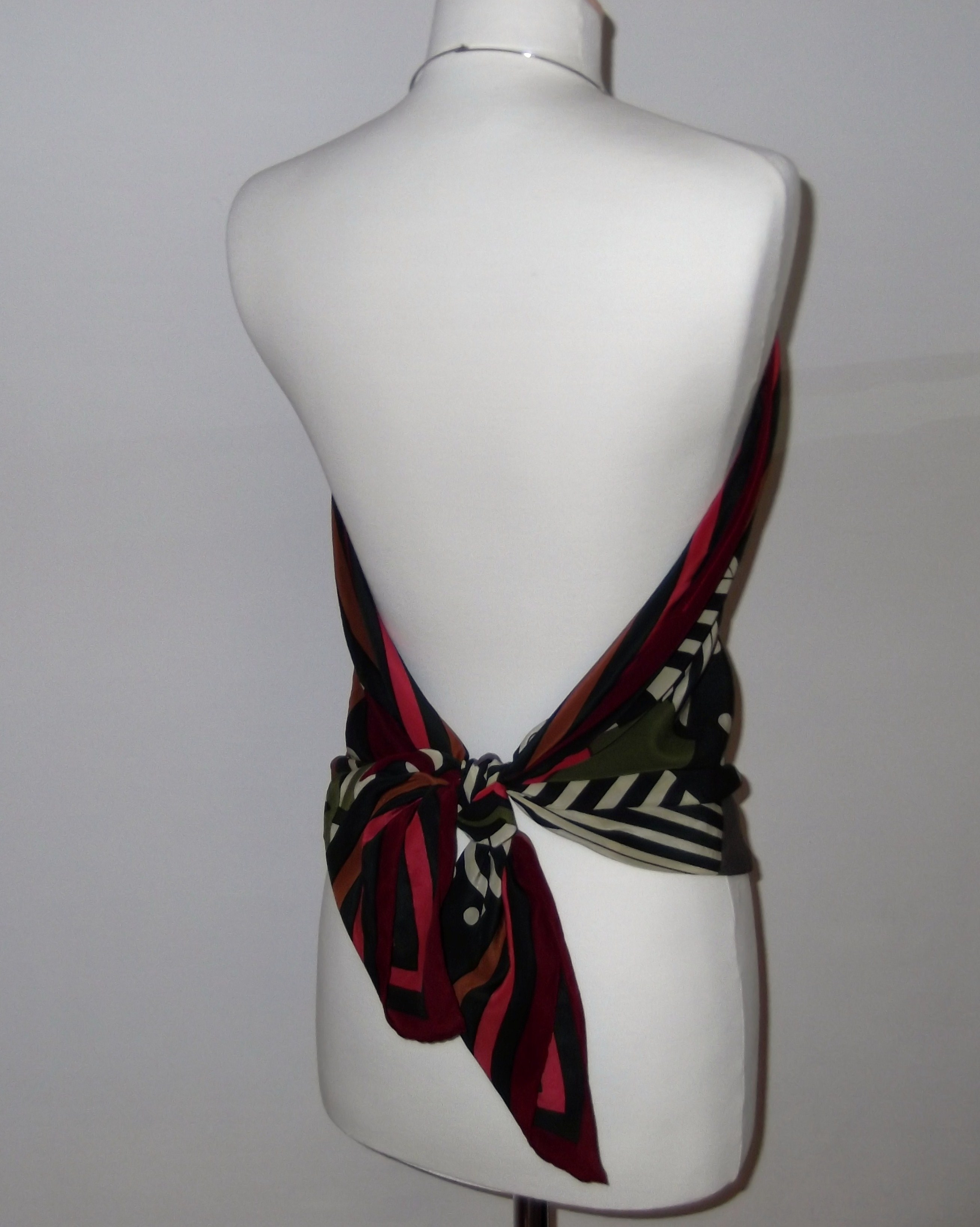 top 5 back pink black retro Striking Vintage Scarf Tops