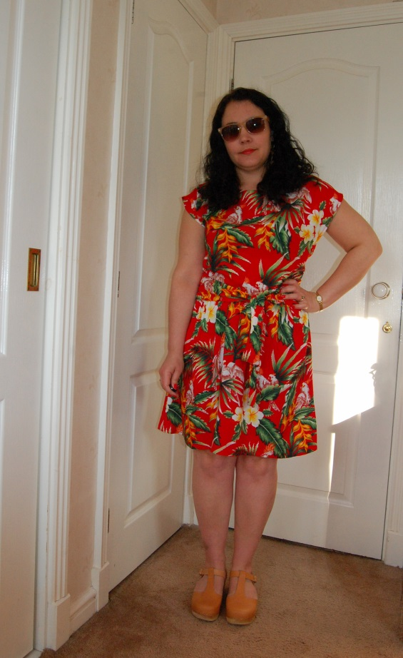 046 adj Ruby Rocks Summer Dress and a Trip to London