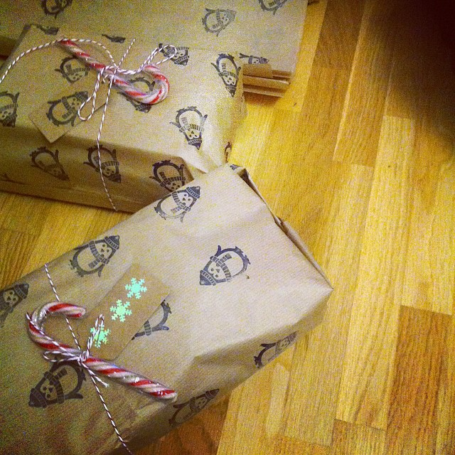 pressy Make Your Own Wrapping Paper