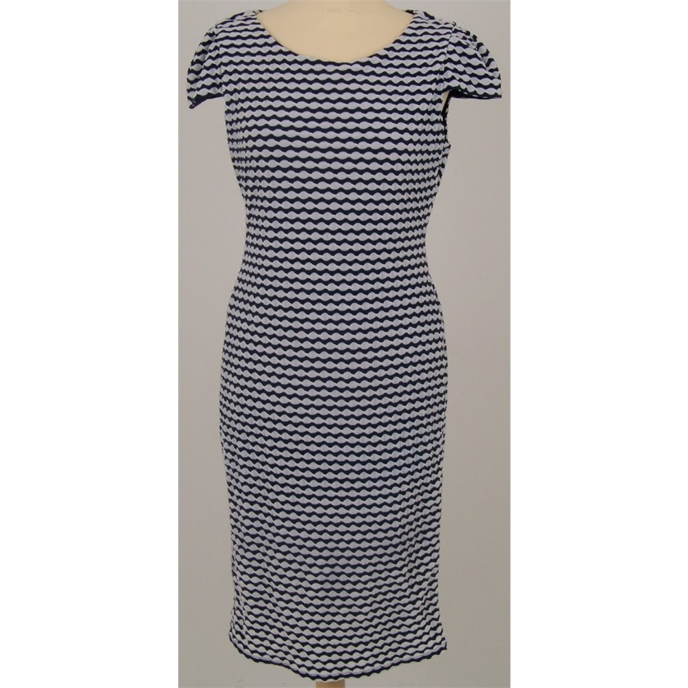 navy and white shift dress